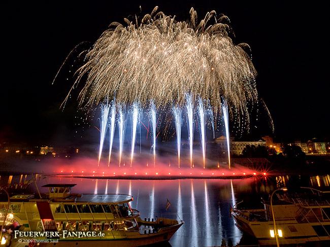 Feuerwerk von Wolle Förster in Dresden